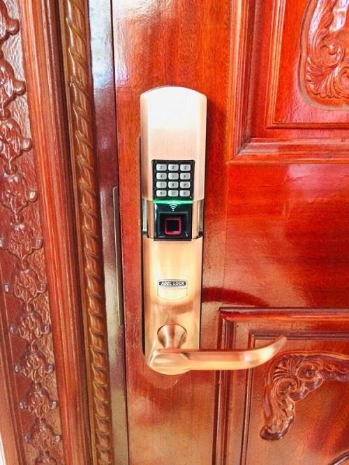 khóa vân tay Adel mã số