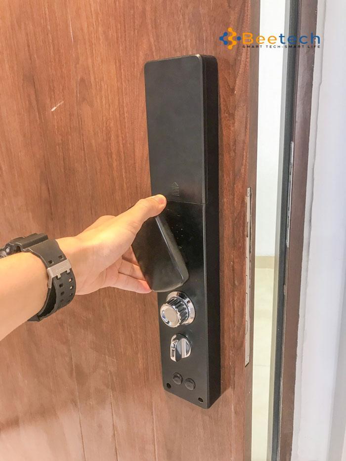 Khóa cửa tay gạt điện tử đẹp nhất