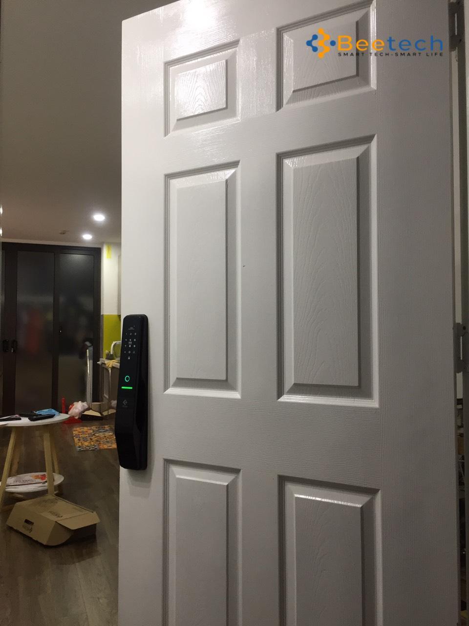 Khóa cửa vân tay nào tốt cho cửa gỗ