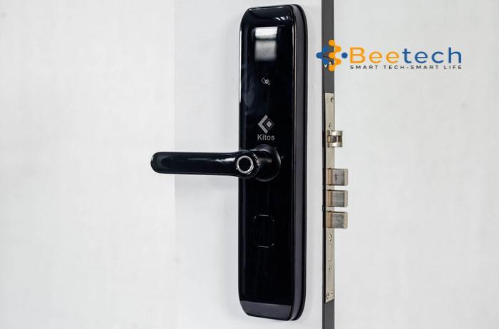 khóa cửa thông minh vân tay A10