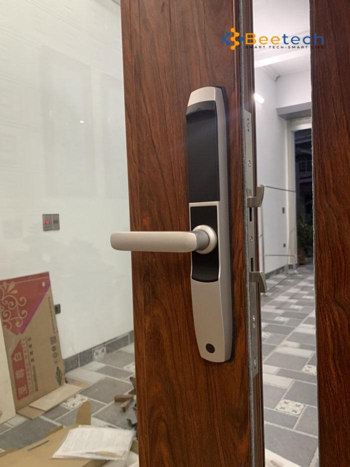 khóa vân tay cho cửa nhôm xingfa