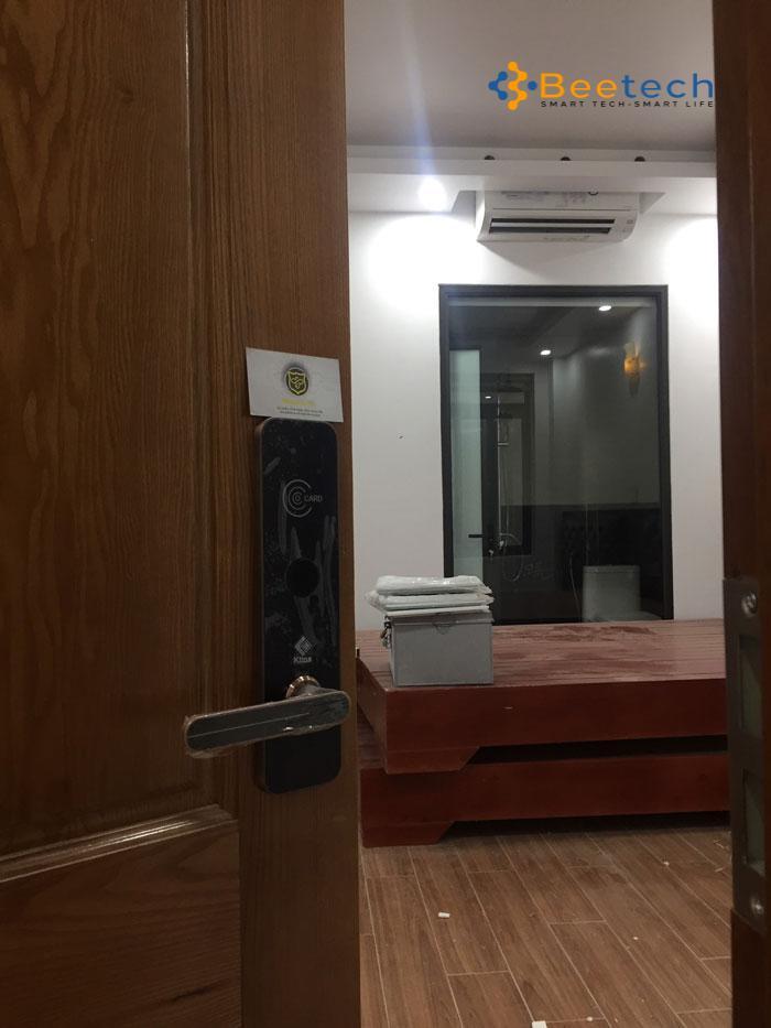 Khóa cửa vân tay có an toàn không?